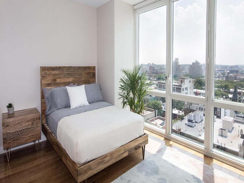 Downtown-1006-33-Bond-St-Bedroom.jpg