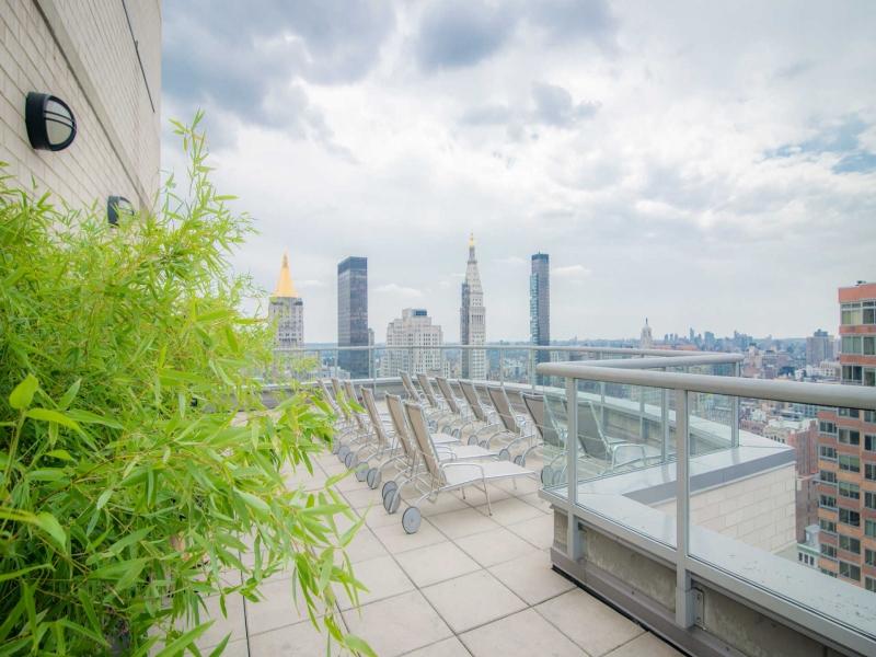 NoMad-34C-800-Sixth-Apartments-Terrace